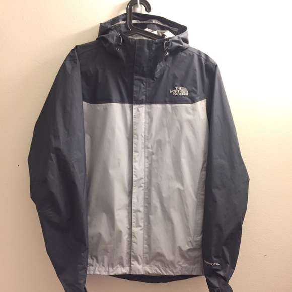 8c0feeed87 The North Face Men s Venture 2 Jacket. M 5a6bf0f845b30c27c148c451